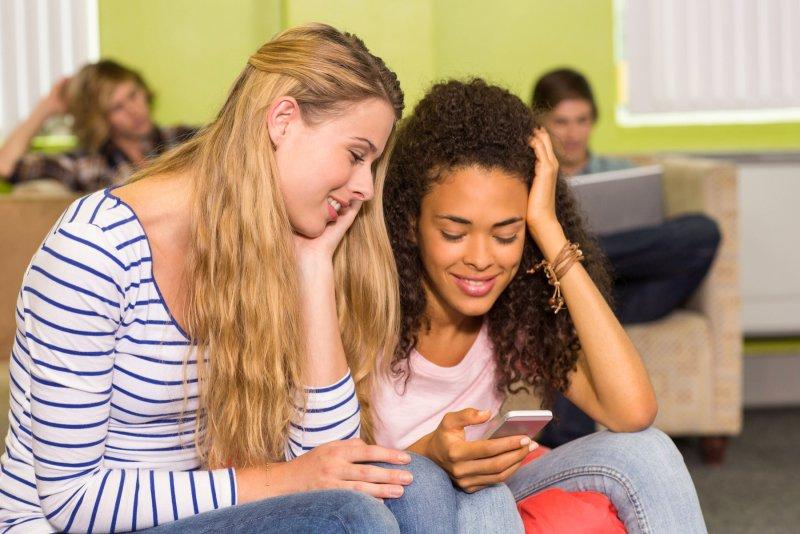 Kyberšikana se může týkat každého. Zdroj: wavebreakmedia / Shutterstock, Inc.