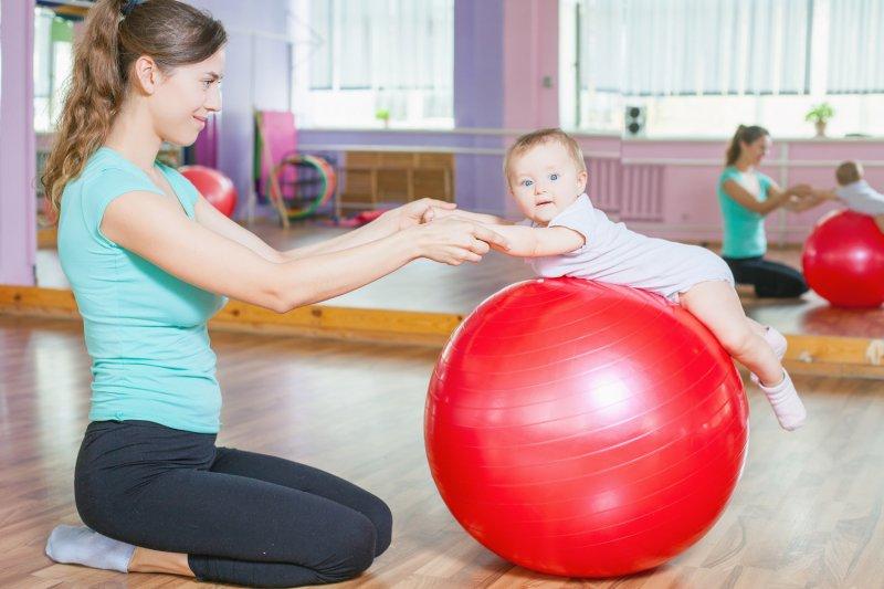 Novopečené maminky mohou využít řadu příspěvků pro miminka. Zdroj obrázku: Dreamstime.com