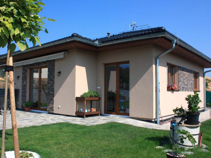 V katalogu najdete mnoho krásných domů. Zdroj: Ekonomické stavby.