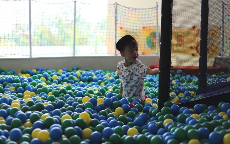 Bazének s míčky je určený pro nejmenší návštěvníky.