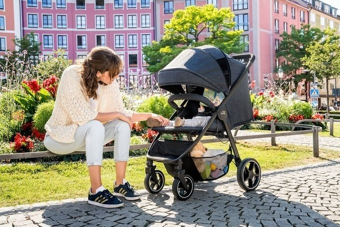 Při nákupech oceníte velký koš. Zdroj: Baby Direct
