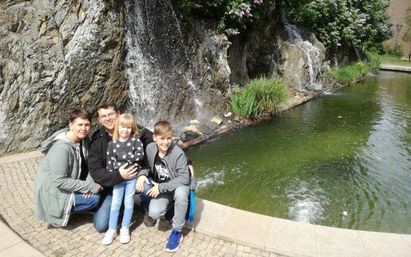 Rodina se snaží, aby Verunka měla krásné dětství. Zdroj: Charvátovi.