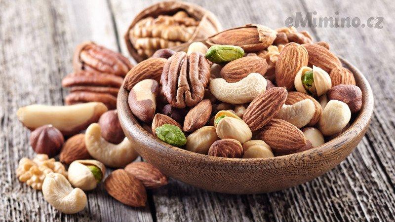 Ořechy jsou zdraví prospěšné obsahují velké množství omega- 3 mastných kyselin. Zdroj: Canva