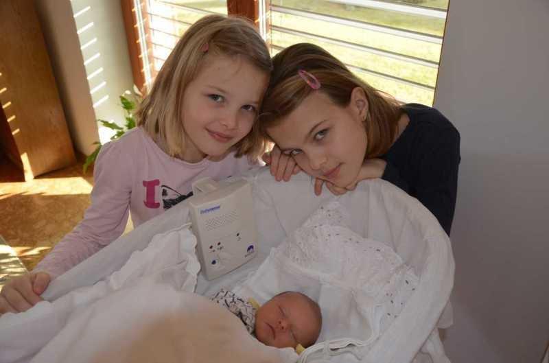Starší dcery přijaly sestřičku s Downovým syndromem dobře. Zdroj: Hana Zemanová.