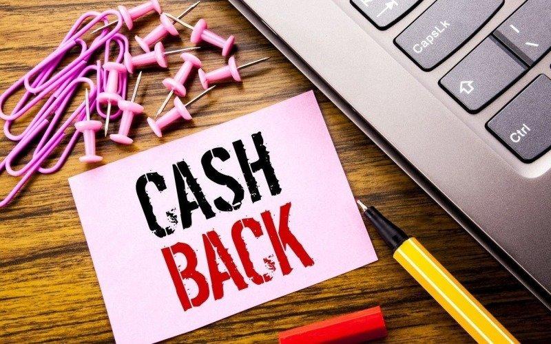 Nechte si vracet část peněz z online nákupů! A k tomu získejte 300 Kč jako dárek