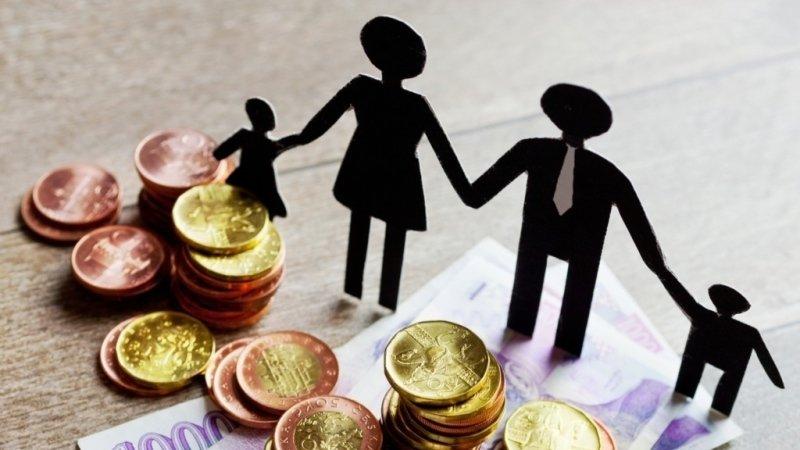 Ošetřovné ve druhé vlně covidu: Na co mají nárok zaměstnaní rodiče a jakou podporu dostanou OSVČ?