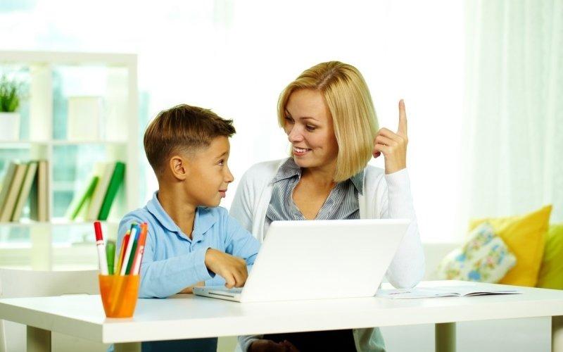 Učení on-line: Kantoři hledají způsob, jak usnadnit domácí výuku