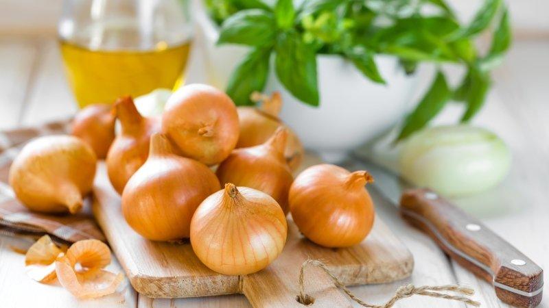 Zkuste cibuli využít jinak než do jídla. Zdroj: Ingimage