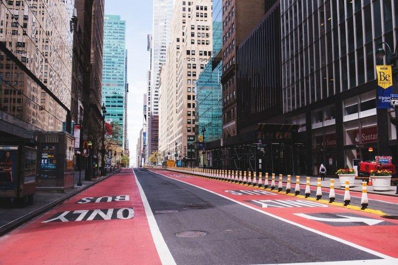 Prázdné ulice v jindy přelidněném New Yorku. Zroj: Anna Ratkopf.
