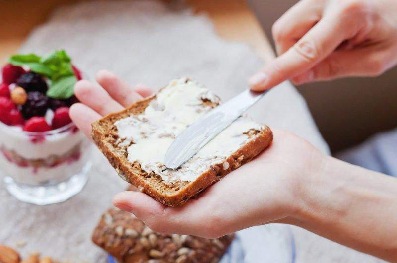Zdravou svačinou může být i chleba s margarínem. Zdroj: Shutterstock.