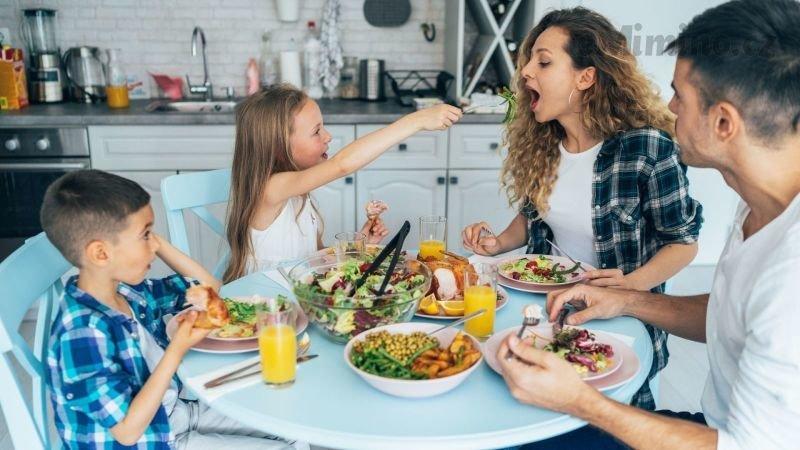 Zdravá strava je důležitá. Zdroj: Canva